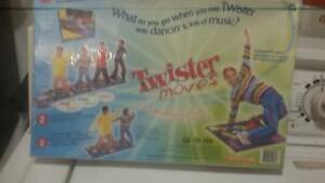 TWISTER  MOVES  boardgame