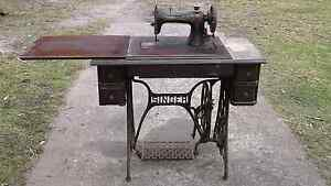 Treadle Singer sewing machine Wang Wauk Greater Taree Area Preview