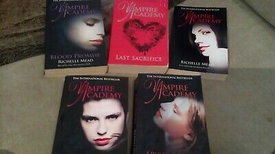 Six Vampire Academy books  By Richelle Mead for sale  Shipping to South Africa