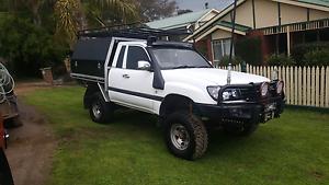 1999 105 series landcruiser ute Mentone Kingston Area Preview