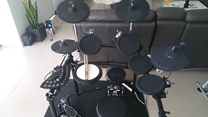 6 Piece Electronic Drum Kit with Double Kick Pedal and Stool Wilton Wollondilly Area Preview