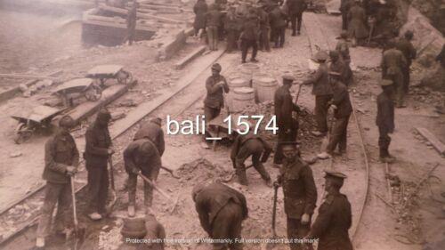 ORIGINAL WW1 REAL PHOTO GALLIPOLI - BEACH CAMP - TROOPS BUILDING TRACKS