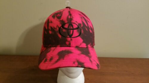 CUSTOM TOYOTA FITTED BALL CAP HAT BRAND NEW/NEVER WORN RED/BLACK OSFM