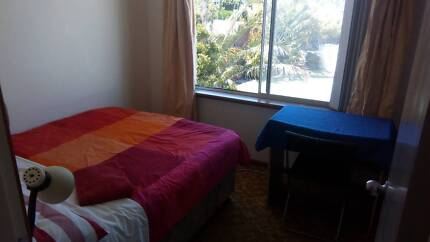 Cosy room in Trigg, 400 m from Beach