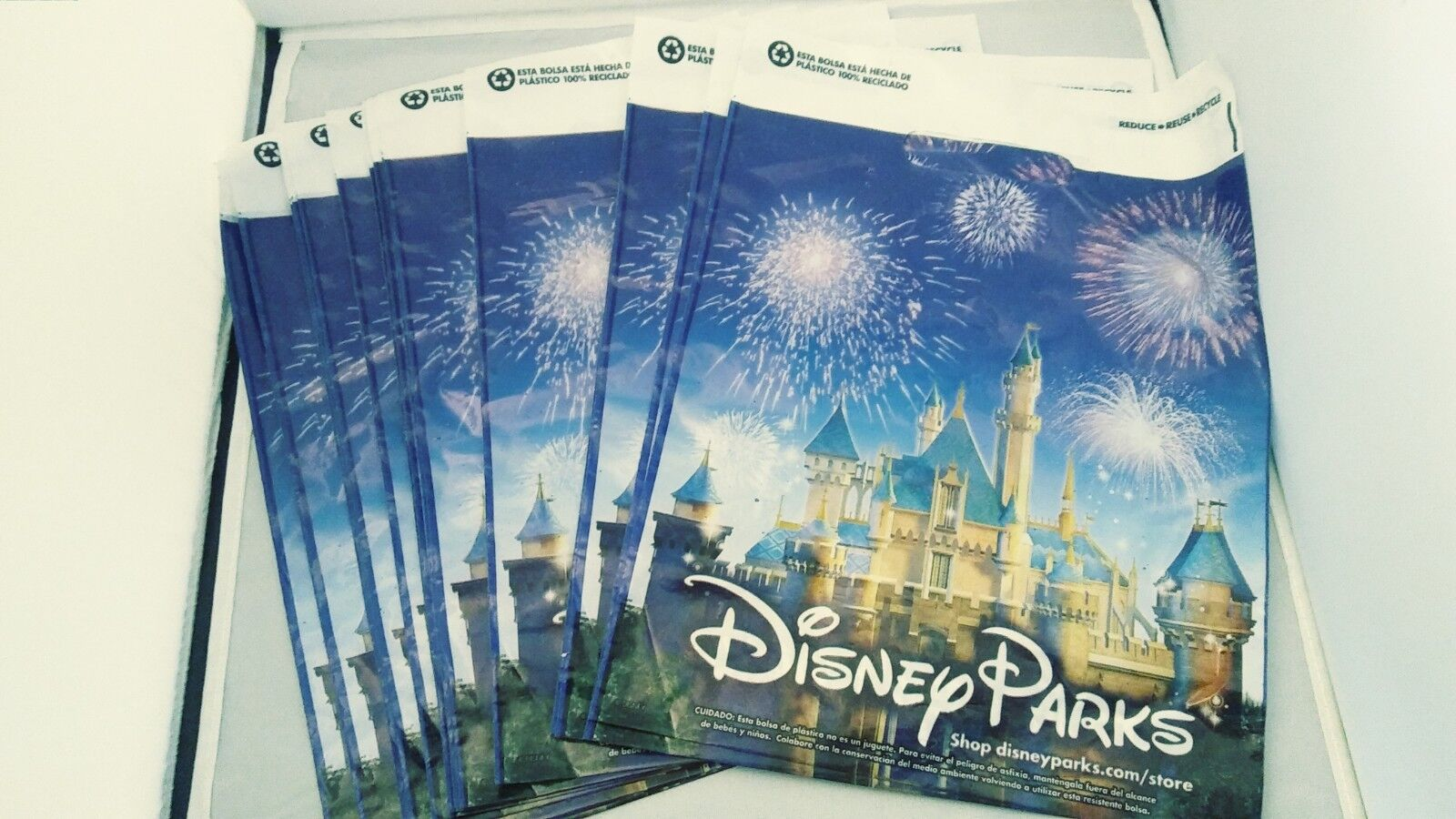"""Disney Parks 9"""" x 12"""" Small Plastic Shopping Gift Bags-LOT o"""