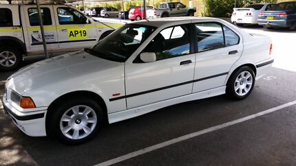 Bmw 318i low km. Auto 1998 West Leederville Cambridge Area Preview