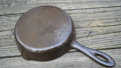 (Chicago Hardware Foundry No. 83 Hammered Skillet)