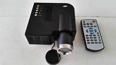 MINI PROJECTEUR LED LCD 20k+ 50 à 200 CM A/V,USB,SD,48 LUMENS,SILENCIEUX,320x240