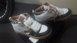Mountain bike shoes/ skate board shoes size 40 Fremantle Fremantle Area Preview