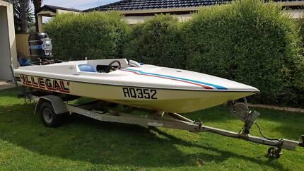 Bullet 1500 Ski Boat