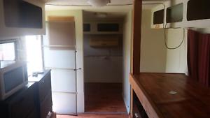 8m-28ft Caravan for sale
