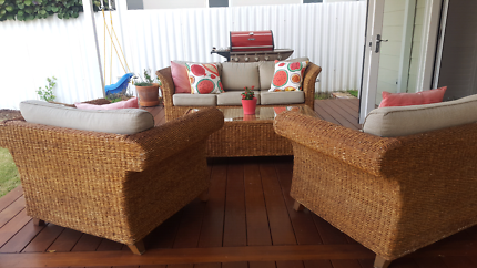 $750 outdoor lounge setting
