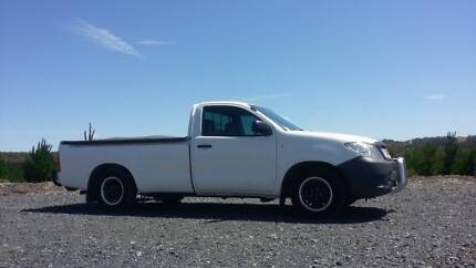 FOR SALE 2005 TOYOTA HILUX V6 Ngunnawal Gungahlin Area Preview
