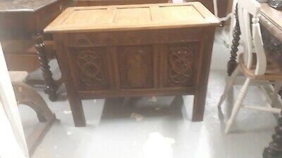 Good Quality Three Panel Oak Coffer.