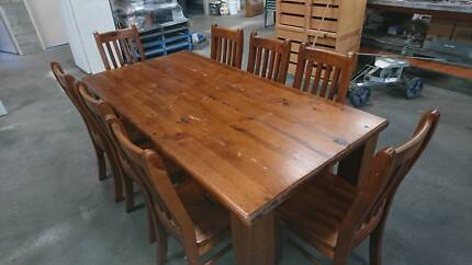 Table Dinning Table