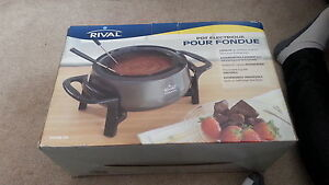 Brand New Rival pot electric fondue