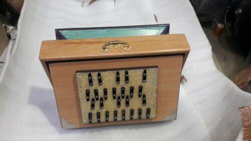 Shruti Box,professional quality deep drone sound.unisex uses Shruti box 25 notes