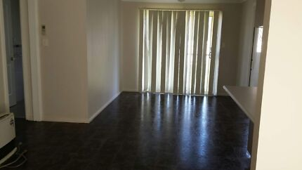 3Bedroom house + Lock up garage for rent. Pet Friendly Tolland Wagga Wagga City Preview