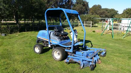 Iseki SF 310 Front Deck Mower 4WD Longford Wellington Area Preview