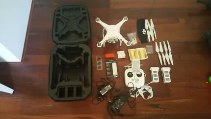 DJI Phantom 3 Advanced Drone + Lots of Accessories