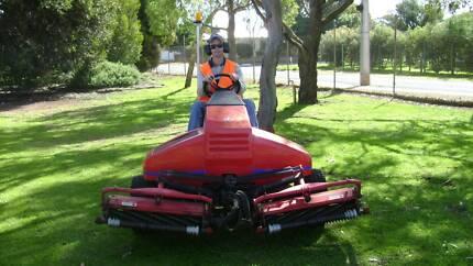 Jacobsen Greens King V1 fairway mower