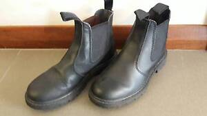 Black boots like blundstone Grosby kids girls boy size 2 as new Brentwood Melville Area Preview