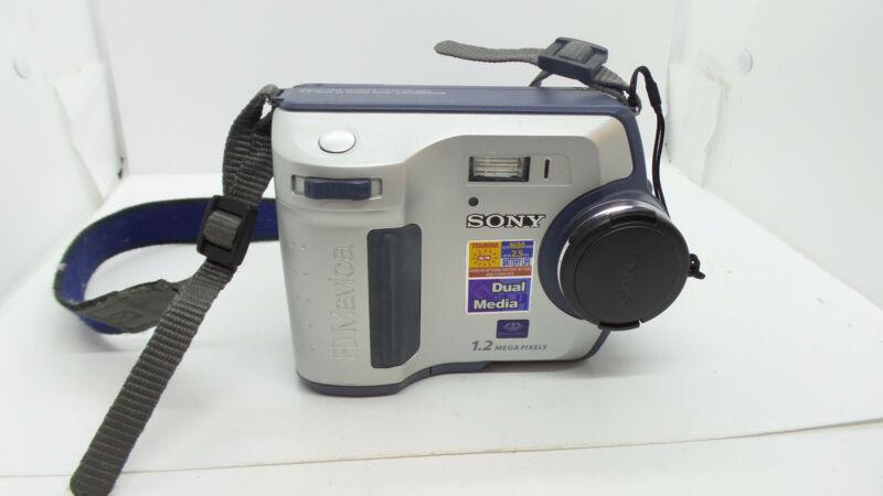Sony Mavica MVC-FD100 4x Digital Camera
