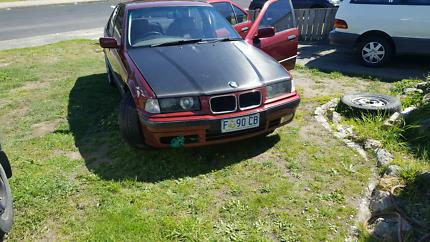 Wrecking 2 bmw e36 318i sedans