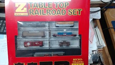 MTL Micro Trains Z Scale Southern Pacific SD-40 Table Top Set  99403700 for sale  East Canaan