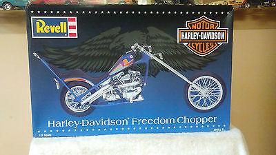 REVELL 1/8 Scale Motorcycle Model Kit Harley-Davidson Freedom Chopper #85-7307