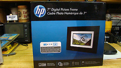 HP HP-DF730P1 7-Inch Digital Picture Frame  Factory Sealed New with remote
