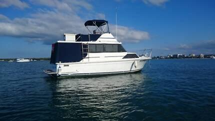 Mariner 30ft flybridge cruiser. PRICE DROP!! AS IS!! Biggera Waters Gold Coast City Preview