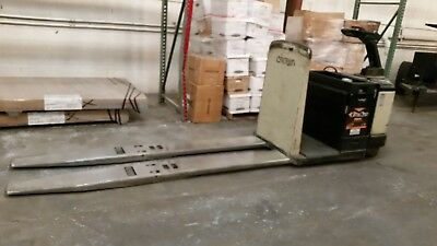 crown electric pallet jack (LONG FORK) with charger low hours motivated seller