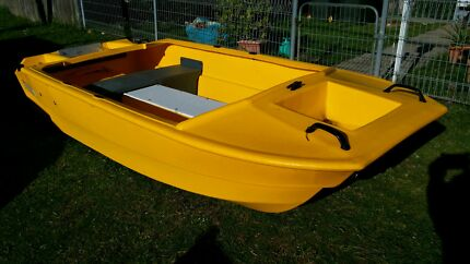 DINGY 3 METRE 10FT PLASTIC TWIN HULL NEW CONDITION Seven Hills Blacktown Area Preview