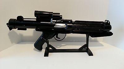 Storm Trooper Uber E-11 Blaster Rifle Model Base Kit Replica