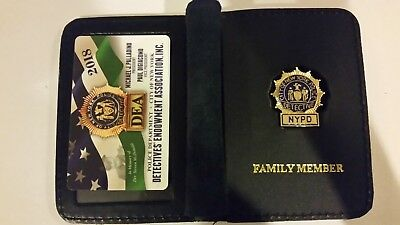 """1 2018 COLLECTIBLE"" NEW NYPD DEA PBA CARD WITH LEATHER DETECTIVE  FAMILY WALLET"