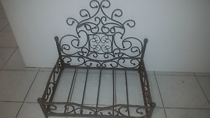 Wrought Iron Cat/Small Dog Bed Alfredton Ballarat City Preview