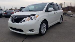 2011 Toyota Sienna Limited**Financement et Garanti disponible***