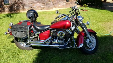 Yamaha motorbike V-STAR 650cc