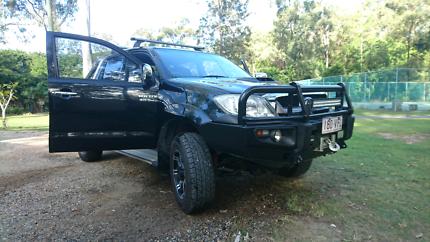 Toyota Hilux SR5 auto diesel.
