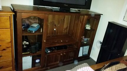 Solid timber tv unit Rosemeadow Campbelltown Area Preview