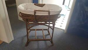 Moses Basket and Stand Greenslopes Brisbane South West Preview