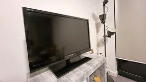 Toshiba 32 inch LCD TV