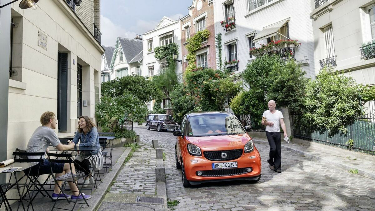 Smart Fortwo inder Frontansicht, stehend