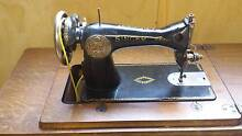 Treadle Sewing Machine Coomba Park Great Lakes Area Preview