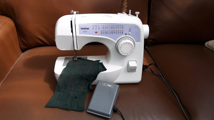 Sewing machine Brother XL 2620  25 stitches