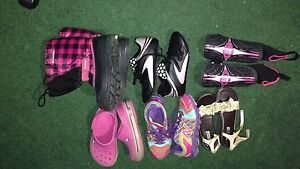 Girls shoes Size 3(Sneakers 4)