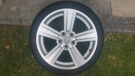 VZ SS  COMMODORE RIMS ONLY..