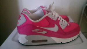 Shoes Nike Air Max in Excellent Condition - Size 6