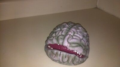 Halloween prop ANIMATED CRAWLING BRAIN. GEMMY RETIRED. MOUTH MOVES, SCARY SOUNDS